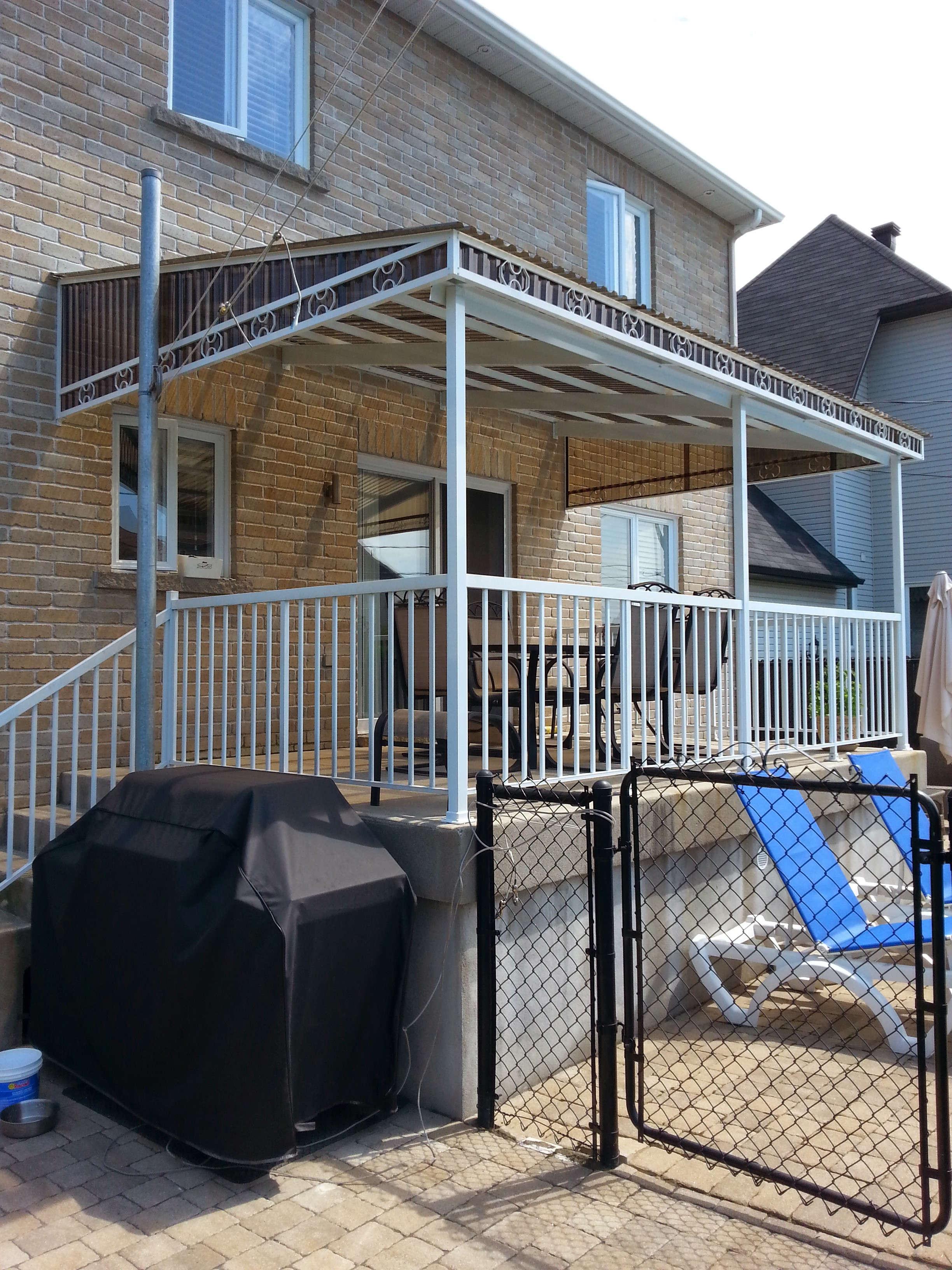 r alisations de balcons escaliers rampes et auvents balcons de fibre de verre et de balcons. Black Bedroom Furniture Sets. Home Design Ideas